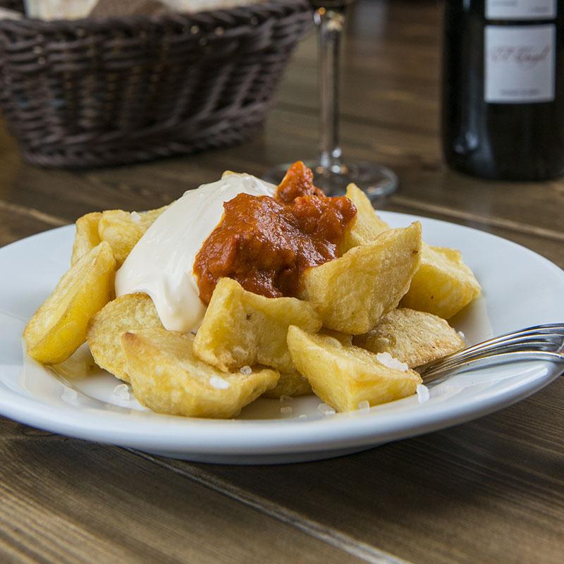patatas bravas en la Boqueria